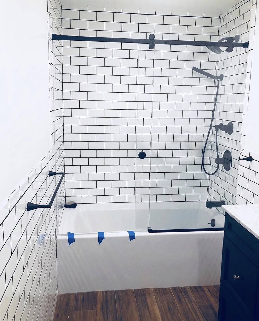 UNITEDGLASSNYC.COM - Showers